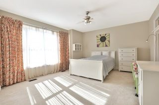 Photo 7: 2407 Taylorwood Drive in Oakville: Iroquois Ridge North House (2-Storey) for sale : MLS®# W3604780