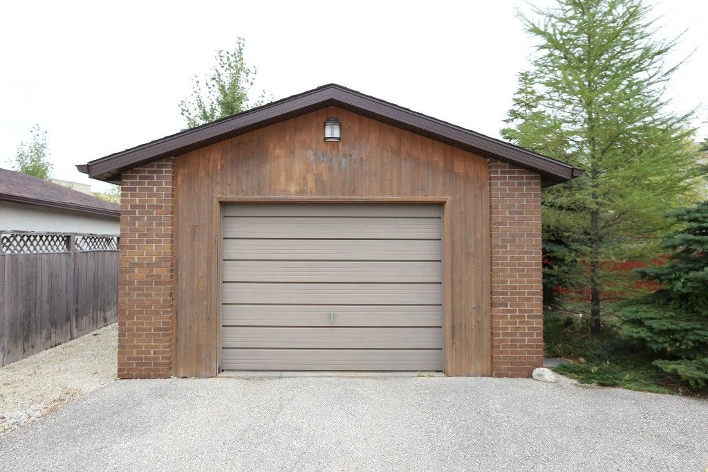 Photo 27: Photos: 68 Timberwood Trail in Winnipeg: Riverbend Single Family Detached for sale (4E)  : MLS®# 1725471