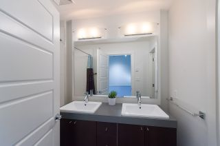 """Photo 11: 16 19538 BISHOPS REACH in Pitt Meadows: South Meadows Townhouse for sale in """"TURNSTONE"""" : MLS®# R2077560"""