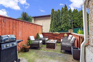 Photo 19: 104 1366 Hillside Ave in : Vi Oaklands Condo for sale (Victoria)  : MLS®# 867040