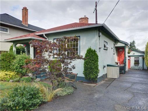 Main Photo: 1544 Burton Ave in VICTORIA: Vi Oaklands House for sale (Victoria)  : MLS®# 711390