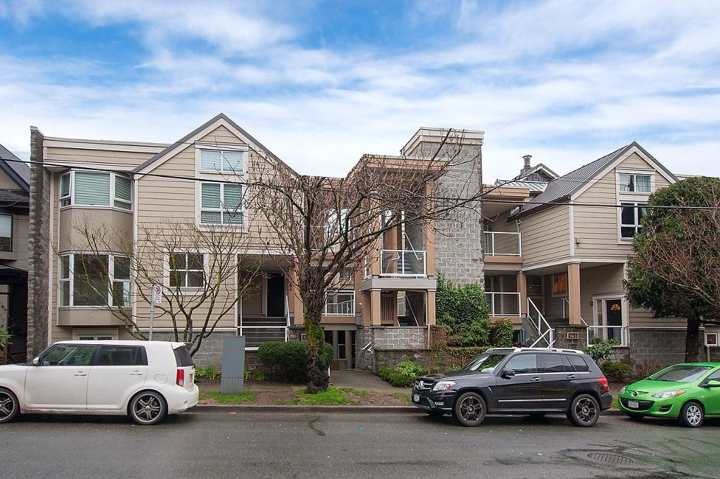 """Main Photo: 101 953 W 8TH Avenue in Vancouver: Fairview VW Townhouse for sale in """"SOUTHPORT"""" (Vancouver West)  : MLS®# V1105092"""