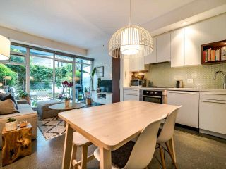 """Photo 17: 222 256 E 2ND Avenue in Vancouver: Mount Pleasant VE Condo for sale in """"Jacobsen"""" (Vancouver East)  : MLS®# R2495462"""
