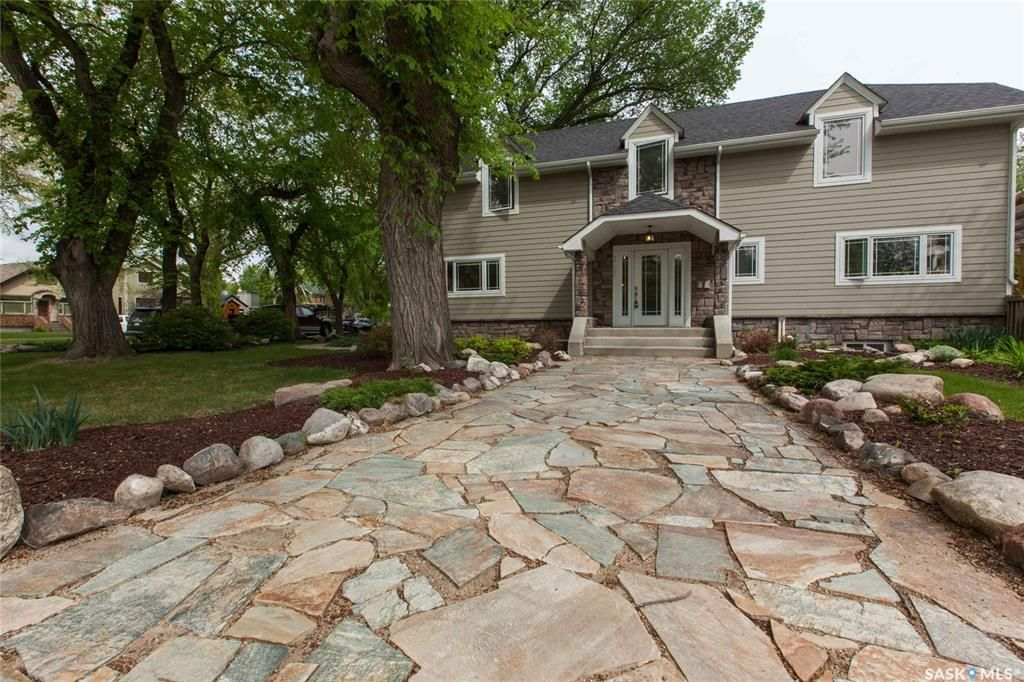 Main Photo: 317 Albert Avenue in Saskatoon: Nutana Residential for sale : MLS®# SK757325