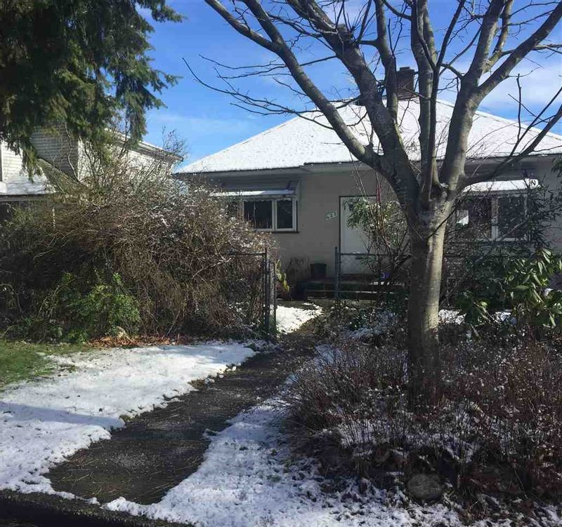 FEATURED LISTING: 422 ROUSSEAU Street New Westminster
