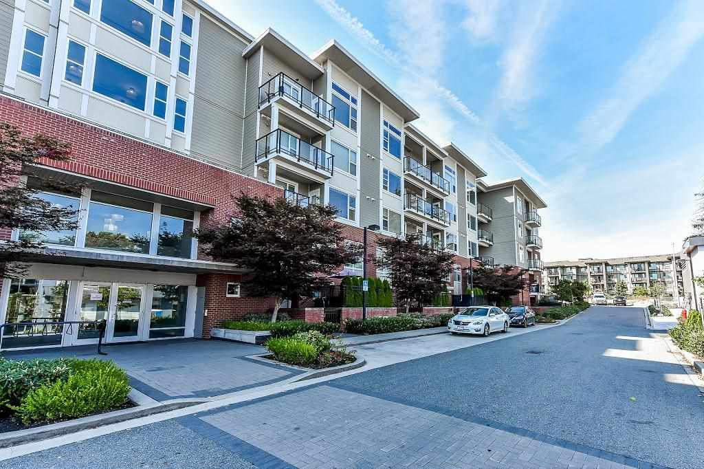 """Main Photo: 302 15956 86A Avenue in Surrey: Fleetwood Tynehead Condo for sale in """"Ascend"""" : MLS®# R2328477"""