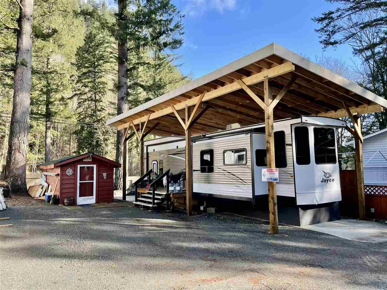 """Main Photo: 3 1650 COLUMBIA VALLEY Road: Columbia Valley Land for sale in """"Leisure Valley"""" (Cultus Lake)  : MLS®# R2548068"""