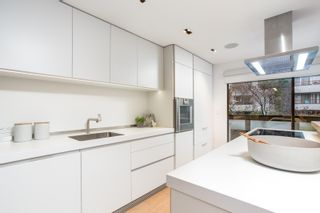 Photo 5: 1803 GREER Avenue in Vancouver: Kitsilano Townhouse for sale (Vancouver West)  : MLS®# R2434848