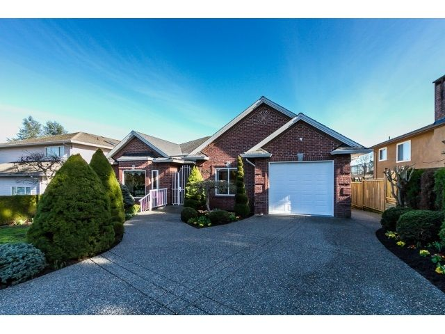 Main Photo: 5636 NELSON Avenue in Burnaby: Forest Glen BS House for sale (Burnaby South)  : MLS®# R2037578
