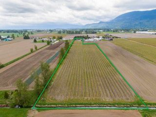 Photo 2: 5111 TOLMIE Road in Abbotsford: Sumas Prairie House for sale : MLS®# R2573312