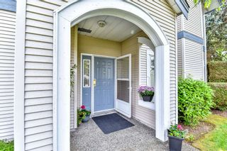 "Photo 1: 112 9072 FLEETWOOD Way in Surrey: Fleetwood Tynehead Townhouse for sale in ""Wynd Ridge"" : MLS®# R2071916"