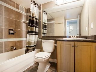 """Photo 19: 109 950 DRAKE Street in Vancouver: Downtown VW Condo for sale in """"ANCHOR POINT"""" (Vancouver West)  : MLS®# R2401708"""