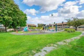 """Photo 25: 46 5850 177B Street in Surrey: Cloverdale BC Townhouse for sale in """"Dogwood Gardens"""" (Cloverdale)  : MLS®# R2577262"""