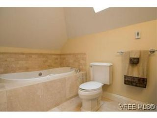 Photo 12: 3 1290 Richardson St in VICTORIA: Vi Fairfield West Row/Townhouse for sale (Victoria)  : MLS®# 490830