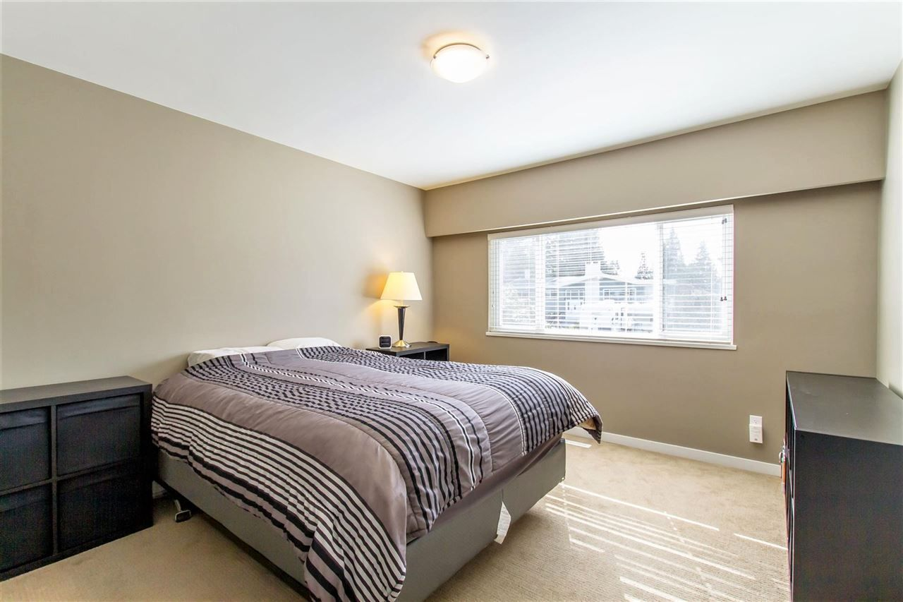 Photo 9: Photos: 819 RONDEAU Street in Coquitlam: Harbour Place House for sale : MLS®# R2375447