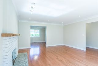 Photo 3: 949 THERMAL Drive in Coquitlam: Chineside House for sale : MLS®# R2262465