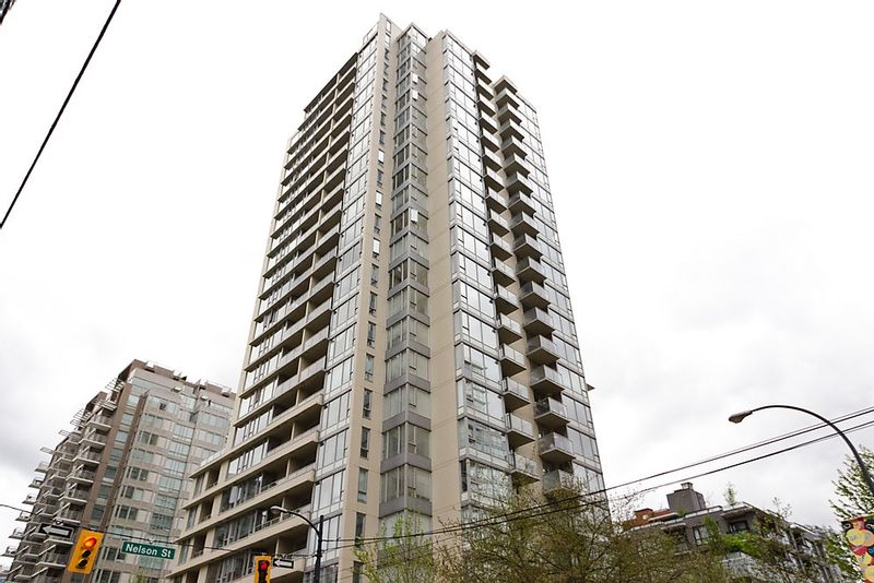 FEATURED LISTING: 903 - 1001 RICHARDS Street Vancouver