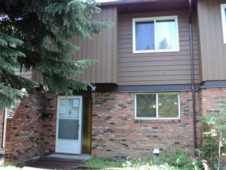 Photo 1: 47 287 Southampton Drive SW in Calgary: Southwood Row/Townhouse for sale : MLS®# A1149706