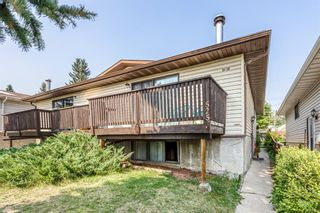 Photo 2: 5258 19 Avenue NW in Calgary: Montgomery Semi Detached for sale : MLS®# A1131802