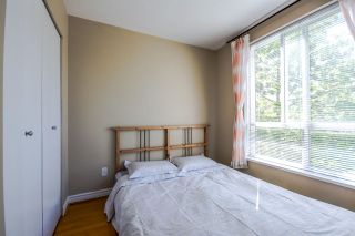 """Photo 18: 7398 HAWTHORNE Terrace in Burnaby: Highgate Townhouse for sale in """"MONTEREY"""" (Burnaby South)  : MLS®# R2071197"""