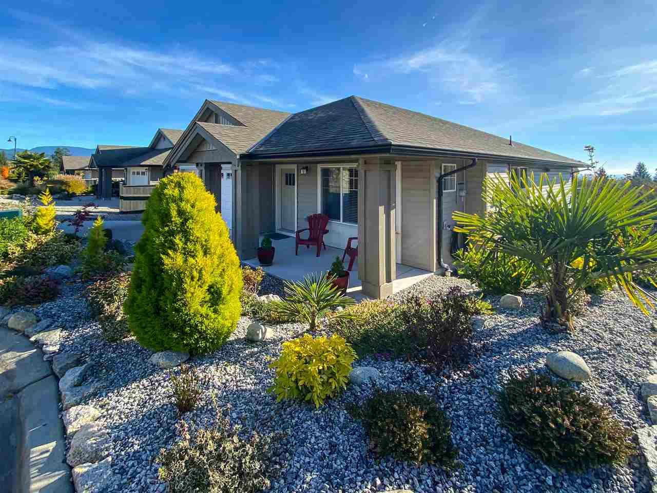 Customized home in central West Sechelt location: still under New Home Warranty!  No GST!