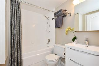 """Photo 16: 104 55 E 10TH Avenue in Vancouver: Mount Pleasant VE Condo for sale in """"ABBEY LANE"""" (Vancouver East)  : MLS®# R2265111"""