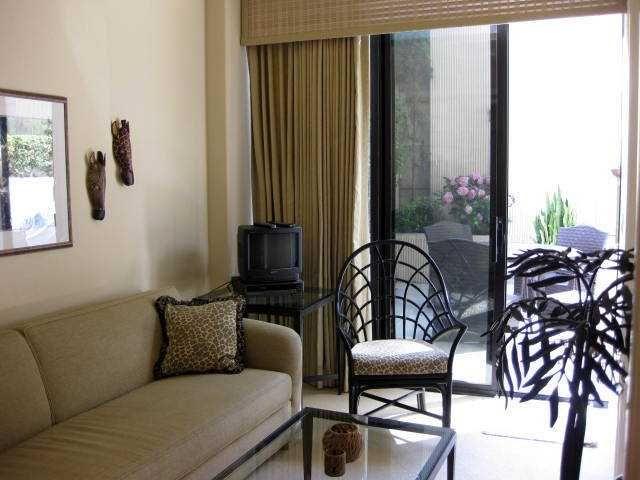 Photo 9: Photos: LA JOLLA Residential for sale : 3 bedrooms : 939 Coast Blvd # 101