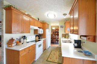 Photo 4: 84 Wolf Lane in : VR Glentana Manufactured Home for sale (View Royal)  : MLS®# 868741