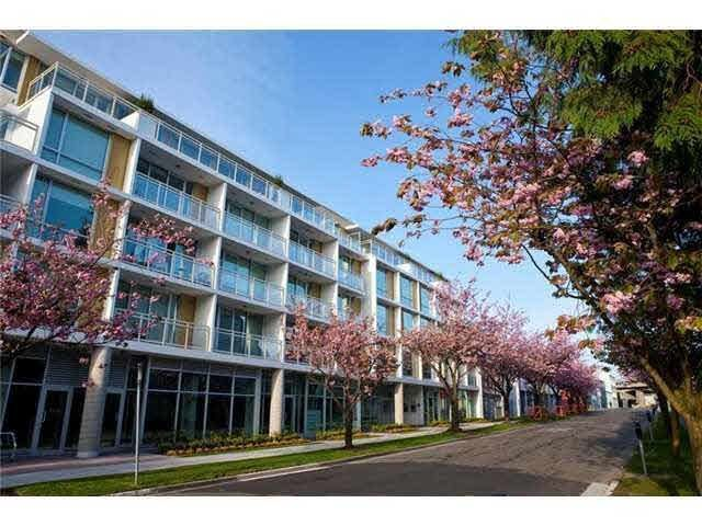 """Photo 2: Photos: 211 1635 W 3RD Avenue in Vancouver: False Creek Condo for sale in """"THE LUMEN"""" (Vancouver West)  : MLS®# R2230902"""