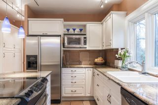 Photo 11: 2588 COURTENAY Street in Vancouver: Point Grey House for sale (Vancouver West)  : MLS®# R2614597