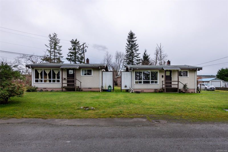 FEATURED LISTING: 3678 Island Hwy South