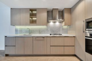 """Photo 8: 812 89 NELSON Street in Vancouver: Yaletown Condo for sale in """"THE ARC"""" (Vancouver West)  : MLS®# R2504656"""
