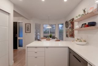 """Photo 3: 28 10111 GILBERT Road in Richmond: Woodwards Townhouse for sale in """"SUNRISE VILLAGE"""" : MLS®# R2525446"""
