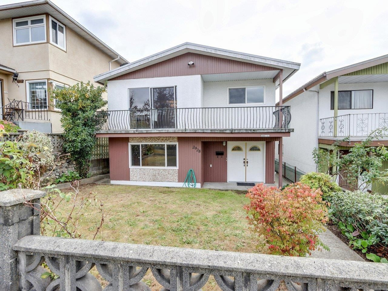 """Main Photo: 2928 E 6TH Avenue in Vancouver: Renfrew VE House for sale in """"RENFREW"""" (Vancouver East)  : MLS®# R2620288"""