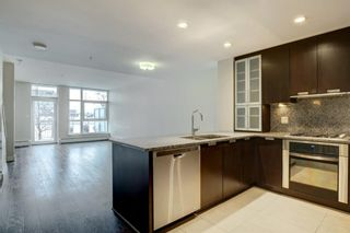 Photo 2: 120 99 SPRUCE Place SW in Calgary: Spruce Cliff Row/Townhouse for sale : MLS®# A1067054