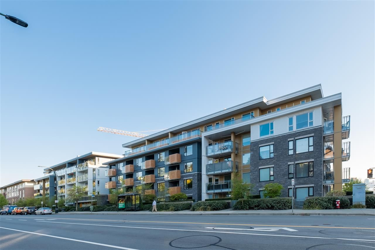 """Main Photo: 303 221 E 3RD Street in North Vancouver: Lower Lonsdale Condo for sale in """"Orizon on Third"""" : MLS®# R2570264"""