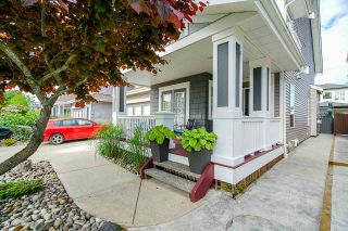 """Photo 3: 8348 209A Street in Langley: Willoughby Heights House for sale in """"Lakeside at Yorkson"""" : MLS®# R2469177"""