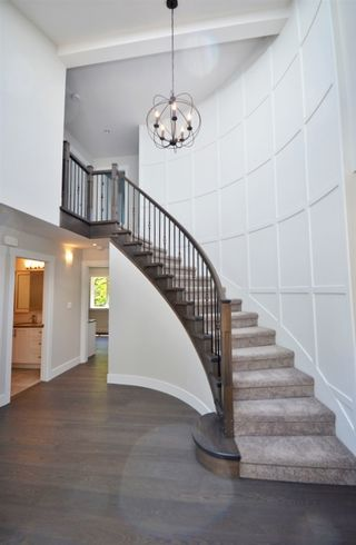 "Photo 3: 2624 TURRET Crescent in Coquitlam: Upper Eagle Ridge House for sale in ""Upper Eagle Ridge"" : MLS®# R2176840"