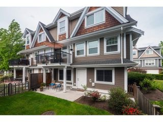 """Photo 2: 27 15988 32 Avenue in Surrey: Grandview Surrey Townhouse for sale in """"BLU"""" (South Surrey White Rock)  : MLS®# R2420244"""