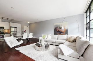 Photo 2: 201 2828 YEW Street in Vancouver: Kitsilano Condo for sale (Vancouver West)  : MLS®# R2587045