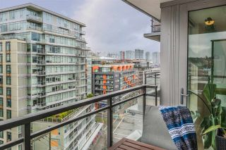 """Photo 6: 1104 89 W 2ND Avenue in Vancouver: False Creek Condo for sale in """"PINNACLE LIVING FALSE CREEK"""" (Vancouver West)  : MLS®# R2250974"""