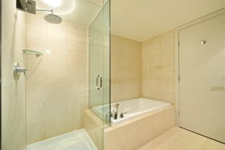 """Photo 15: 404 499 BROUGHTON Street in Vancouver: Coal Harbour Condo for sale in """"The Denia Waterfront Place"""" (Vancouver West)  : MLS®# R2260501"""