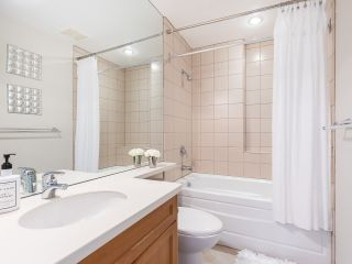 """Photo 19: 5560 YEW Street in Vancouver: Kerrisdale Townhouse for sale in """"The Diplomat"""" (Vancouver West)  : MLS®# R2553086"""