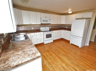 Photo 3: 945 Stadacona Street East in Moose Jaw: Hillcrest MJ Residential for sale : MLS®# SK857131