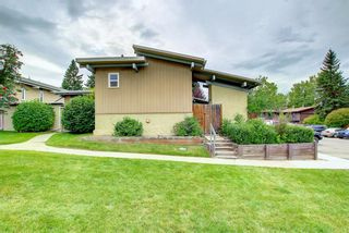 Photo 1: 1602 11010 Bonaventure Drive SE in Calgary: Willow Park Row/Townhouse for sale : MLS®# A1146571