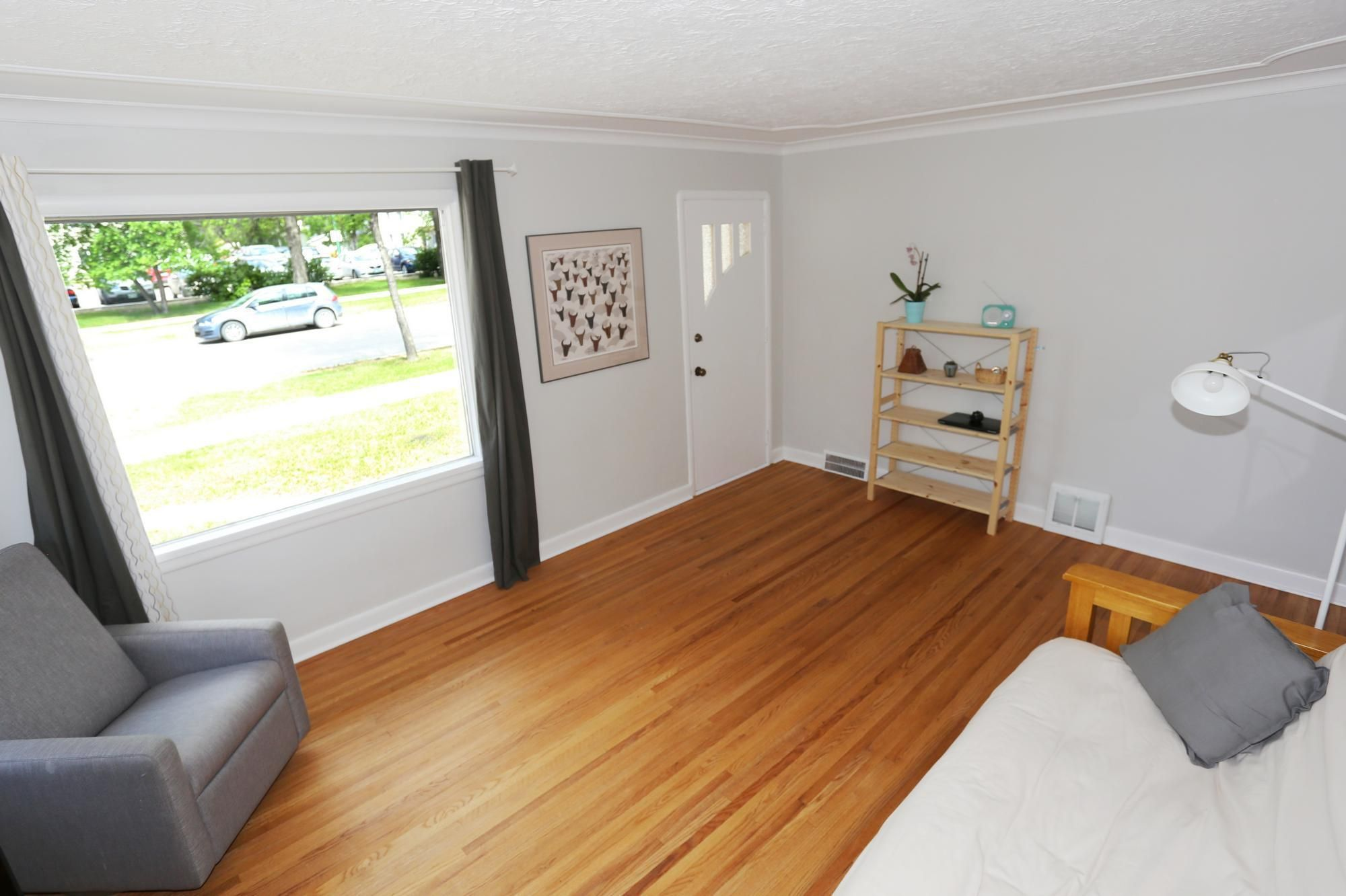 Photo 7: Photos: 290 McLeod Avenue in Winnipeg: North Kildonan Single Family Detached for sale (3F)  : MLS®# 1814938