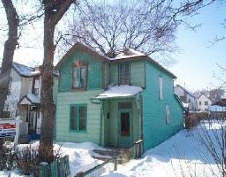 Main Photo: 260 Ellen St.: Residential for sale (Central)  : MLS®# 2502119