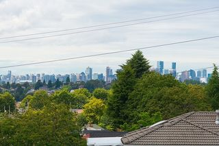 Photo 7: 3810 PENDER Street in Burnaby: Willingdon Heights House for sale (Burnaby North)  : MLS®# R2132202