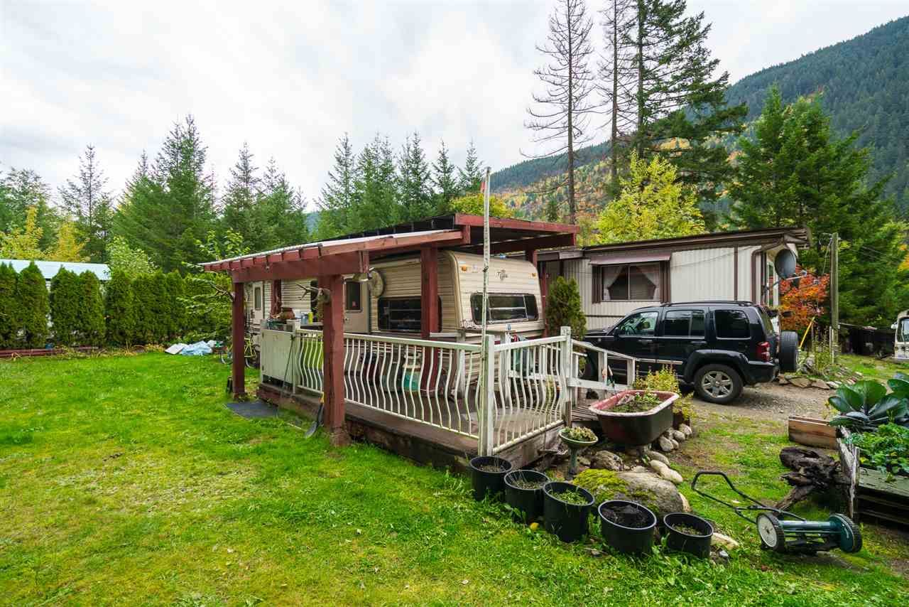 Photo 19: Photos: 36255 TRANS CANADA Highway in Yale: Hope Laidlaw Manufactured Home for sale (Hope)  : MLS®# R2335678