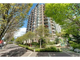 """Photo 17: 303 170 W 1ST Street in North Vancouver: Lower Lonsdale Condo for sale in """"ONE PARKLANE"""" : MLS®# V1117348"""